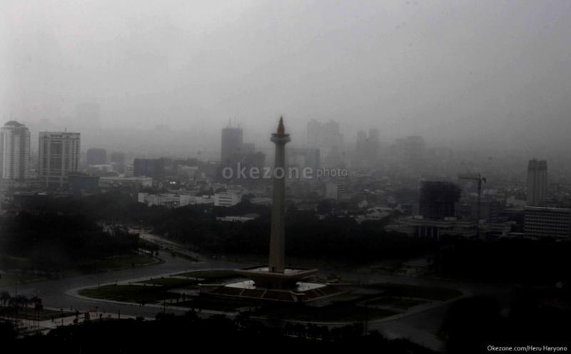 https: img-k.okeinfo.net content 2019 12 03 338 2137174 hujan-diprediksi-turun-di-sejumlah-wilayah-jakarta-pada-siang-hari-RRHdaHduxT.jpg