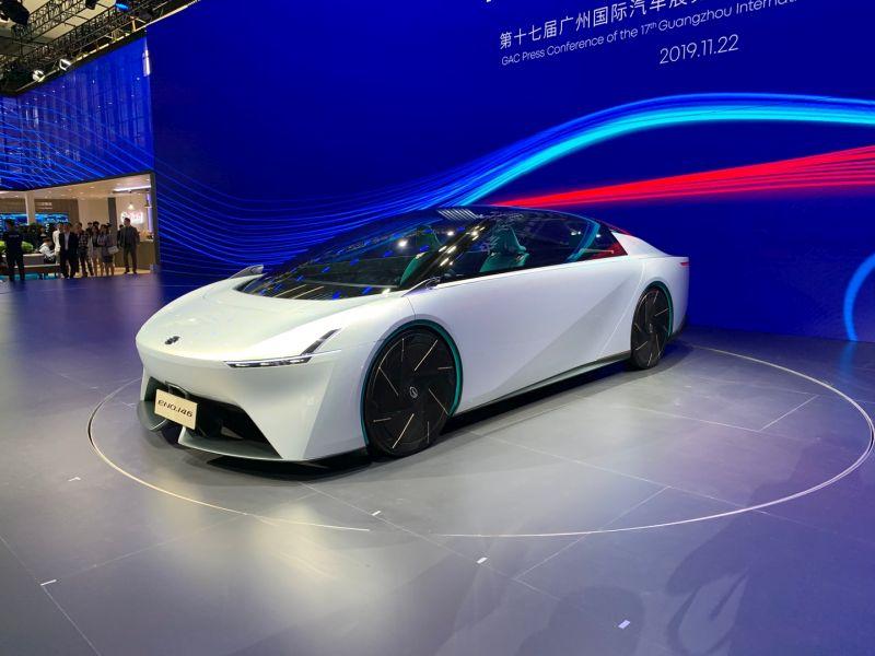 https: img-k.okeinfo.net content 2019 12 04 52 2137704 kalahkan-aerodinamika-bugatti-mobil-listrik-tiongkok-ini-miliki-enam-bangku-XlzzhmZ7ps.jpg