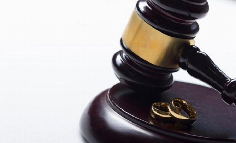 https: img-k.okeinfo.net content 2019 12 05 330 2138228 rumah-tangga-abdul-somad-retak-ini-hukum-perceraian-dalam-islam-mEagT52tK1.jpg