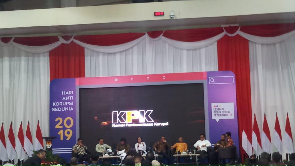 https: img-k.okeinfo.net content 2019 12 09 20 2139662 sri-mulyani-singgung-dilema-korupsi-atau-gaji-habis-10-hari-NfIF43CWB1.jpg