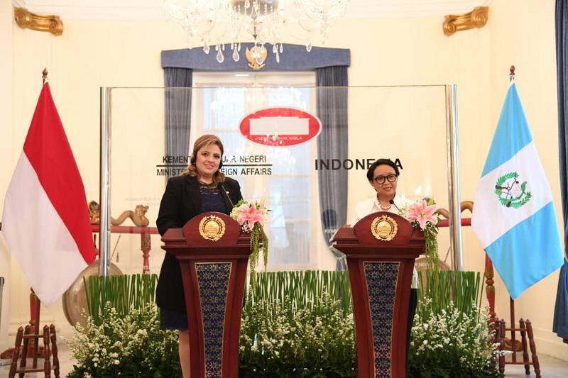 https: img-k.okeinfo.net content 2019 12 10 18 2140173 setelah-26-tahun-tutup-guatemala-buka-kembali-kedutaan-besarnya-di-jakarta-siUi32y48q.jpg