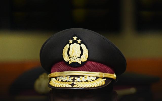 https: img-k.okeinfo.net content 2019 12 12 340 2140919 terbukti-nyabu-2-polisi-di-ambon-divonis-satu-tahun-penjara-R3rJNgstm1.jpg