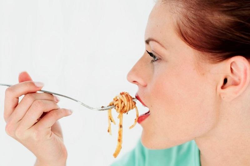 https: img-k.okeinfo.net content 2019 12 12 481 2141103 batasi-makan-10-jam-sehari-efektif-turunkan-lemak-dan-berat-badan-sp01VNSdyB.jpg