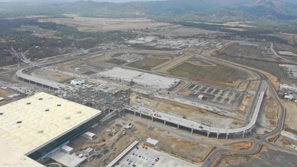 https: img-k.okeinfo.net content 2019 12 14 320 2141831 bandara-internasional-yogyakarta-beroperasi-penuh-29-april-2020-ljYlkP6Xv1.jpg