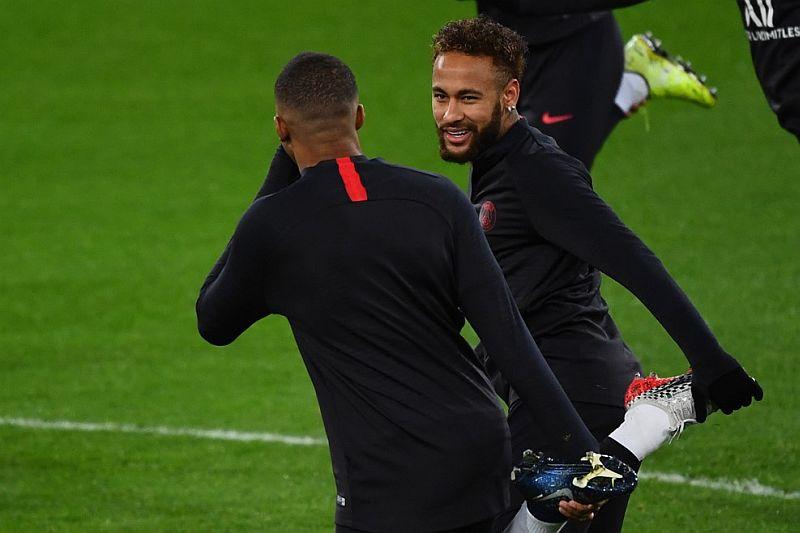https: img-k.okeinfo.net content 2019 12 17 261 2142753 neymar-tak-ingin-psg-kembali-gugur-di-16-besar-liga-champions-92bugLEcAe.jpg