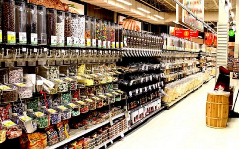 https: img-k.okeinfo.net content 2019 12 17 614 2142835 kekurangan-tempat-salat-muslim-rusia-ubah-supermarket-jadi-masjid-kEqFigSAPy.jpg