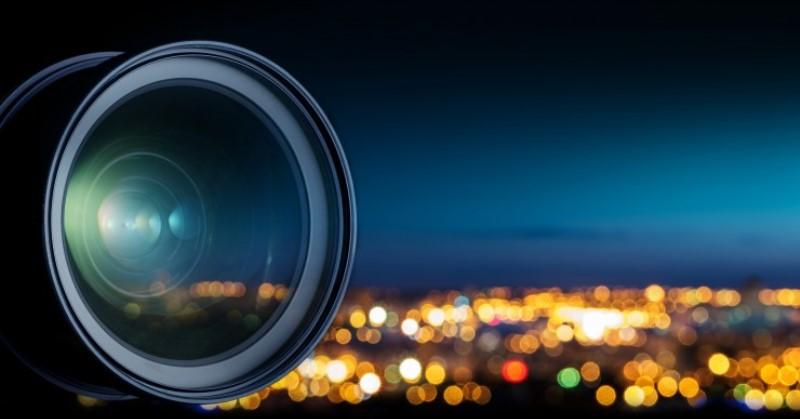 https: img-k.okeinfo.net content 2019 12 23 92 2145236 4-tips-fotografi-malam-hari-menggunakan-kamera-smartphone-PULjL312CY.jpg