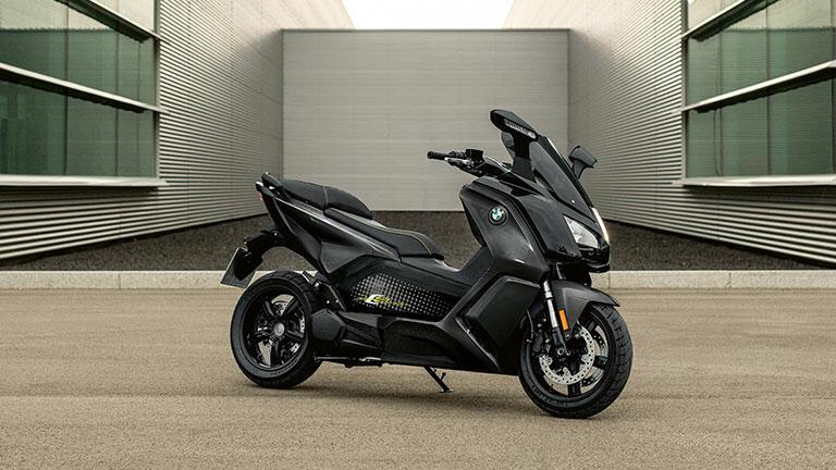 https: img-k.okeinfo.net content 2019 12 29 53 2147244 bmw-motorrad-patenkan-teknologi-pengisian-daya-baterai-motor-listrik-nirkabel-hm8k5jKXv3.jpeg