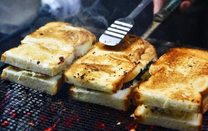 https: img-k.okeinfo.net content 2019 12 31 298 2147738 5-tempat-kuliner-untuk-rayakan-malam-tahun-baru-di-jakarta-8LAyx9TRPn.jpg