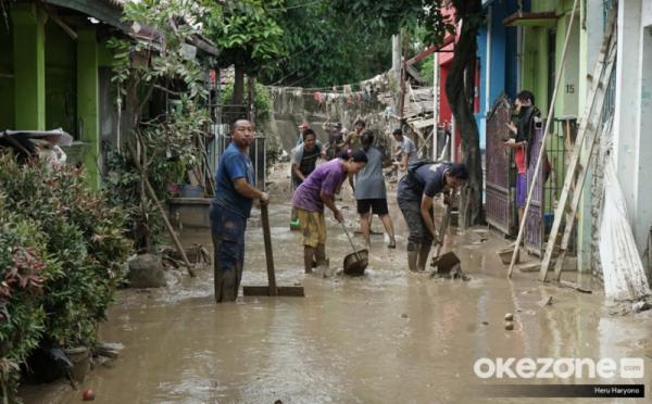 https: img-k.okeinfo.net content 2020 01 05 470 2149514 bersihkan-rumah-pasca-banjir-6-hal-yang-boleh-dan-tidak-untuk-dilakukan-HPmbNaatOP.jpg
