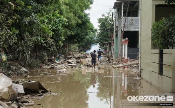 https: img-k.okeinfo.net content 2020 01 08 470 2150661 restorasi-dokumen-korban-banjir-dari-sertifikat-rumah-sampai-akta-cerai-F7fAh6ehnQ.jpg
