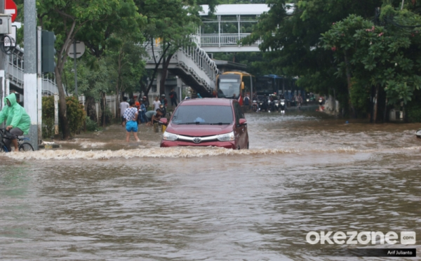https: img-k.okeinfo.net content 2020 01 08 470 2150784 menteri-pupr-selama-cuaca-ekstrem-seluruh-balai-di-indonesia-harus-siaga-2gVtWMPIsO.jpg