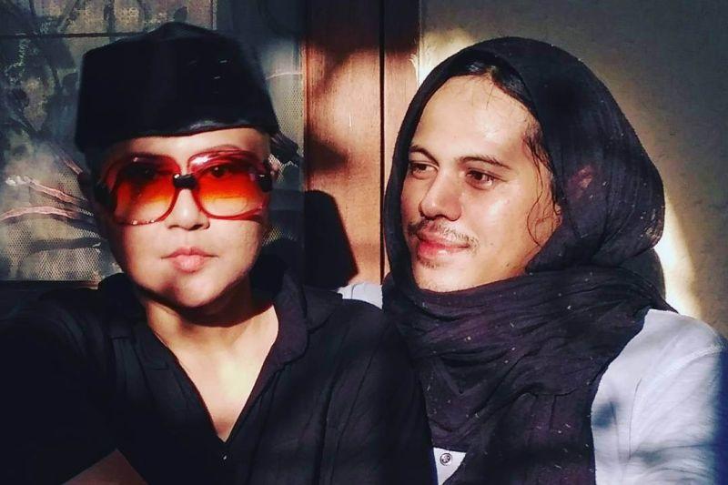 https: img-k.okeinfo.net content 2020 01 10 33 2151410 mayky-wongkar-merasa-hidup-bersama-ria-irawan-seperti-pengantin-baru-y8kEqFXNKc.jpg