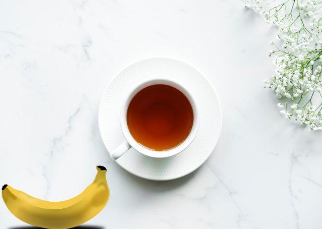 https: img-k.okeinfo.net content 2020 01 10 481 2151462 minum-teh-pisang-teratur-bantu-kurangi-risiko-penyakit-jantung-Uf9YhHUVLL.jpg
