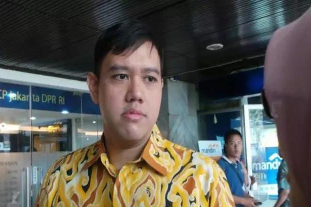 https: img-k.okeinfo.net content 2020 01 11 337 2151669 dpr-dukung-pemerintah-bangun-pangkalan-militer-di-natuna-09WL4fM1Dq.jpg