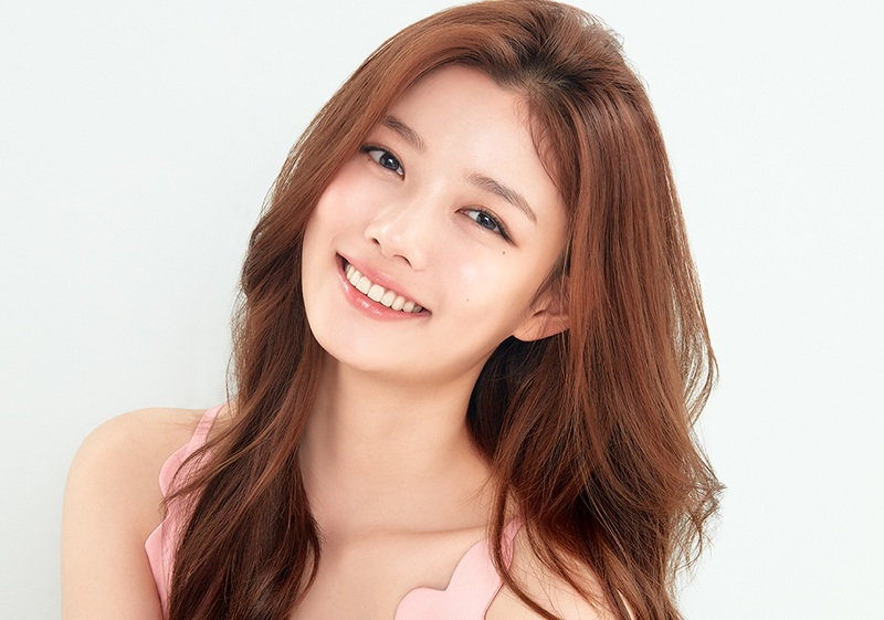 https: img-k.okeinfo.net content 2020 01 13 598 2152473 kim-yoo-jung-dilirik-bintangi-drama-convenience-store-saet-byul-B0xblOHRXP.jpg