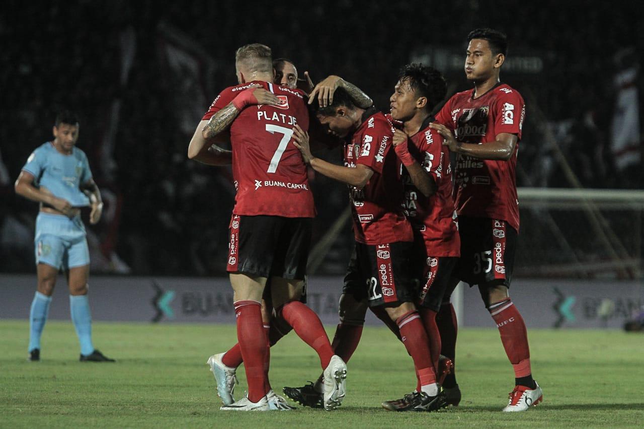 https: img-k.okeinfo.net content 2020 01 14 51 2152915 bali-united-singkirkan-tampines-rovers-dari-liga-champions-asia-2020-2UCgxd3Y24.jpg