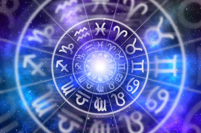 https: img-k.okeinfo.net content 2020 01 16 31 2153984 ramalan-hari-ini-4-zodiak-yang-bakal-hoki-urusan-karier-Y6JSQrF05o.jpg