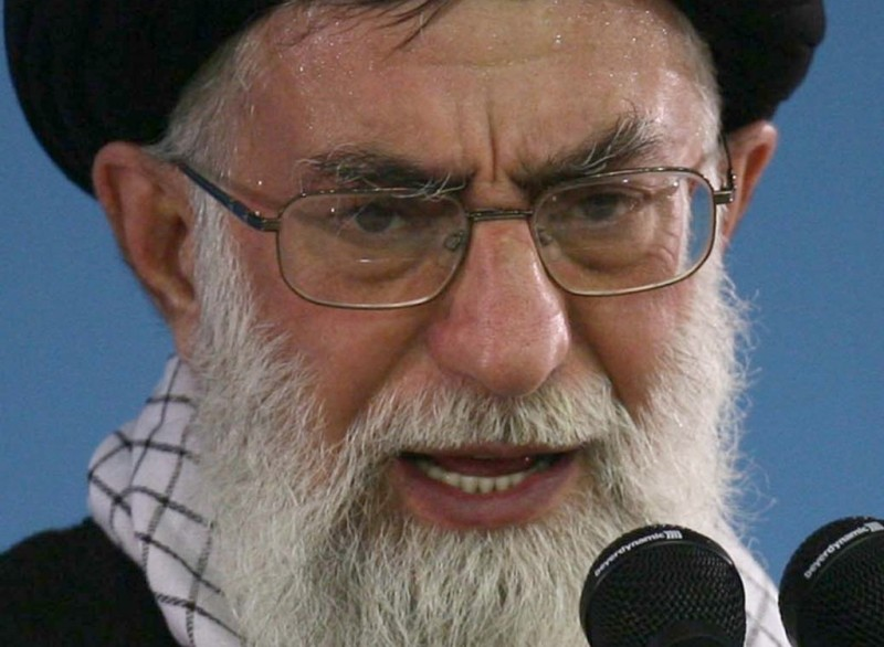 https: img-k.okeinfo.net content 2020 01 17 18 2154194 insiden-pesawat-ukraina-ayatollah-khamenei-pimpin-salat-jumat-pertama-kalinya-sejak-2012-fZ2evZXKTL.jpg