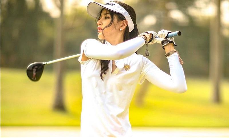 https: img-k.okeinfo.net content 2020 01 20 194 2155741 hobi-main-golf-intip-5-penampilannya-bergaya-sporty-JnKz3dODke.jpg