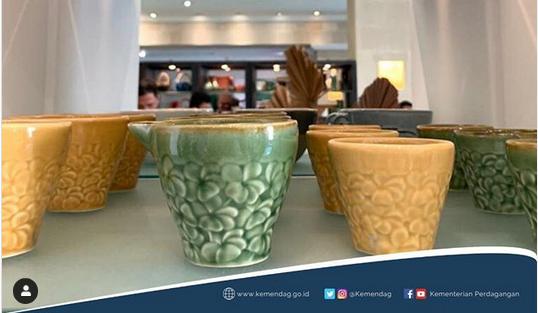 https: img-k.okeinfo.net content 2020 01 20 320 2155504 perhatikan-syarat-ini-sebelum-ekspor-keramik-dan-porselen-RIMX3B33Dc.png