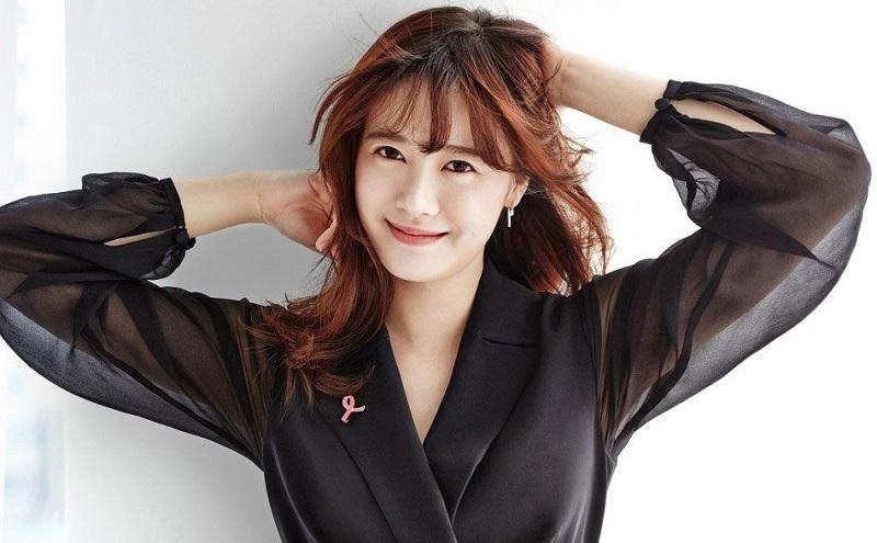 https: img-k.okeinfo.net content 2020 01 24 33 2157906 bercerai-fans-beri-dukungan-untuk-goo-hye-sun-2GudapOEiX.jpg