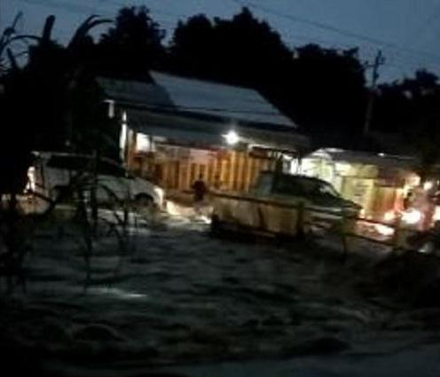 https: img-k.okeinfo.net content 2020 01 26 512 2158356 hujan-deras-8-kecamatan-di-tegal-terendam-banjir-BdxrMq3pMh.JPG