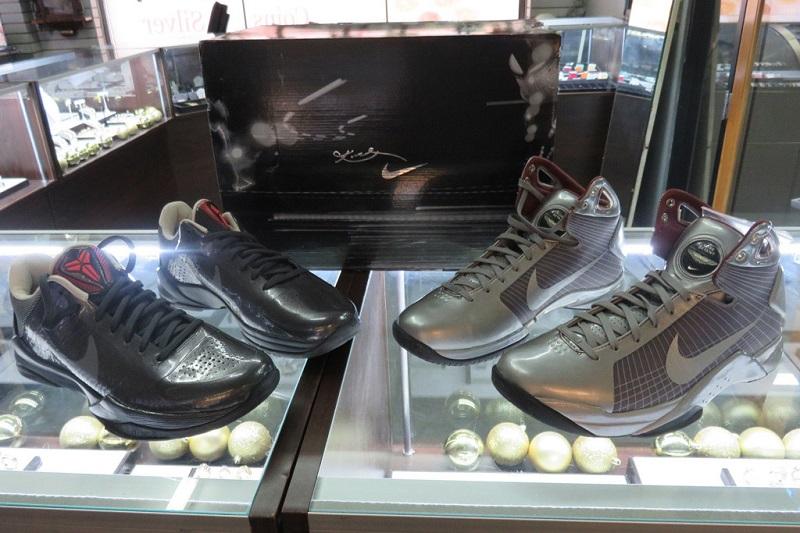 https: img-k.okeinfo.net content 2020 01 28 194 2159733 5-sneakers-kobe-bryant-paling-langka-sepanjang-masa-iVeZevQXNy.jpg
