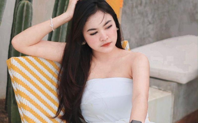 https: img-k.okeinfo.net content 2020 02 04 194 2163369 gaya-cantik-malini-top-6-indonesian-idol-sungguh-menggoda-sUbmjGR45W.jpg