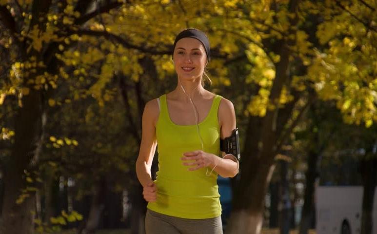 https: img-k.okeinfo.net content 2020 02 07 481 2165174 rekomendasi-olahraga-bagi-penderita-kanker-terbukti-secara-ilmiah-HmhHWLNXqF.jpg