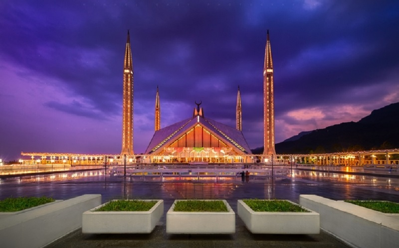 https: img-k.okeinfo.net content 2020 02 07 615 2164797 indahnya-masjid-faisal-yang-arsitekturnya-terinspirasi-dari-tenda-badui-BvuYO6cDz7.jpg