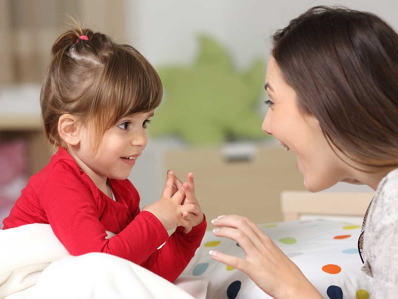https: img-k.okeinfo.net content 2020 02 09 196 2165679 haruskah-anak-mengerti-dan-bisa-bahasa-daerah-orangtua-CXVRD1Wxzk.jpg