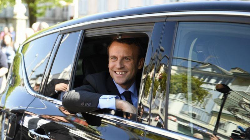 https: img-k.okeinfo.net content 2020 02 12 52 2167245 pakai-produk-buatan-negeri-sendiri-mobil-presiden-macron-mogok-dalam-kunjungan-resmi-KMfQJgXNUM.jpg