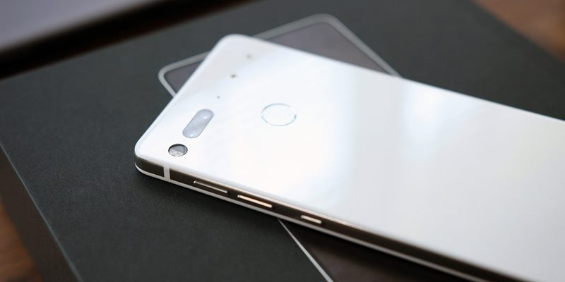 https: img-k.okeinfo.net content 2020 02 13 57 2167953 startup-ponsel-essential-milik-bapak-android-tutup-C9at3OdXPu.jpg