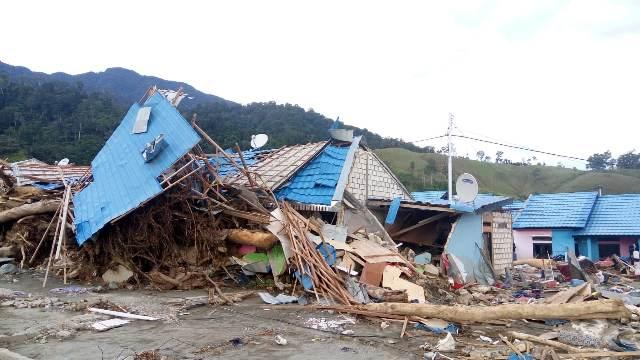 https: img-k.okeinfo.net content 2020 02 14 337 2168386 pasca-banjir-sentani-409-keluarga-terdampak-dapat-dana-tunggu-hunian-pMtgFGg4i0.jpeg