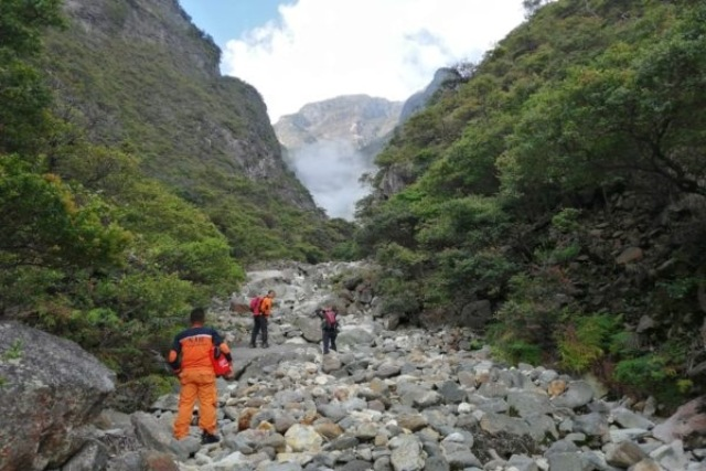https: img-k.okeinfo.net content 2020 02 14 512 2168391 harga-tiket-pendakian-gunung-lawu-naik-mulai-maret-2020-nE4AcsTh0S.jpg