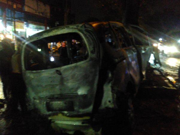 https: img-k.okeinfo.net content 2020 02 14 608 2168262 mobil-terbakar-di-dekat-kampus-usu-pengemudi-tewas-terpanggang-IVFMIRyBGe.jpg