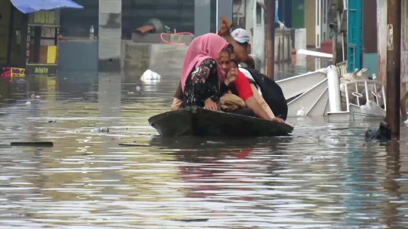 https: img-k.okeinfo.net content 2020 02 16 525 2169312 dayeuhkolot-bojongsoang-dan-baleendah-masih-terendam-banjir-By1RreMLOs.png