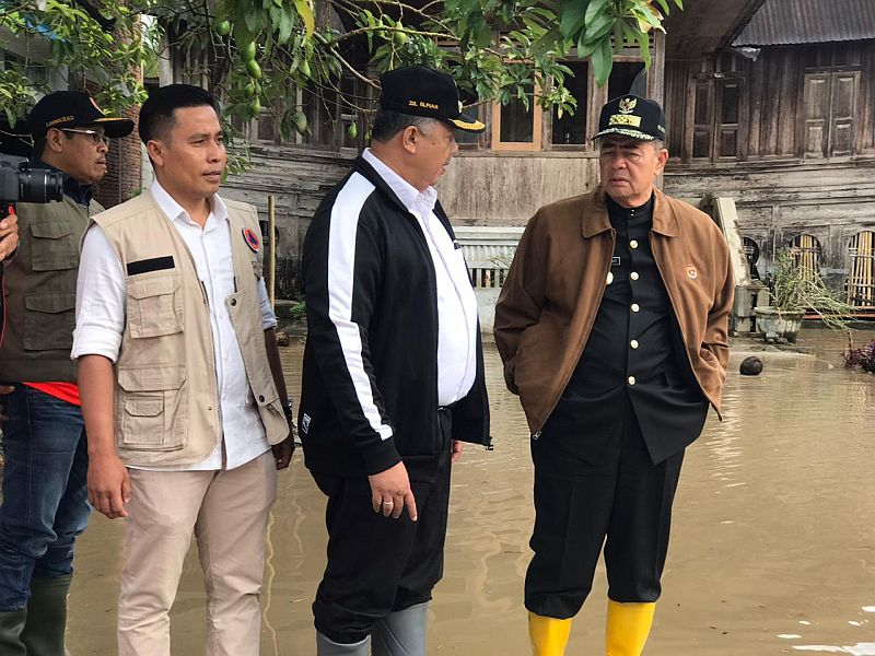 https: img-k.okeinfo.net content 2020 02 18 340 2170477 13-kelurahan-di-solok-kebanjiran-sungai-lembang-segera-dinormalisasi-hjjNoSPZvC.jpg