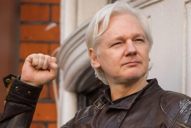 https: img-k.okeinfo.net content 2020 02 20 18 2171339 trump-tawarkan-pengampunan-ke-pendiri-wikileaks-organisasi-pengungkap-dokumen-rahasia-negara-OxzSZPrJOt.jpeg