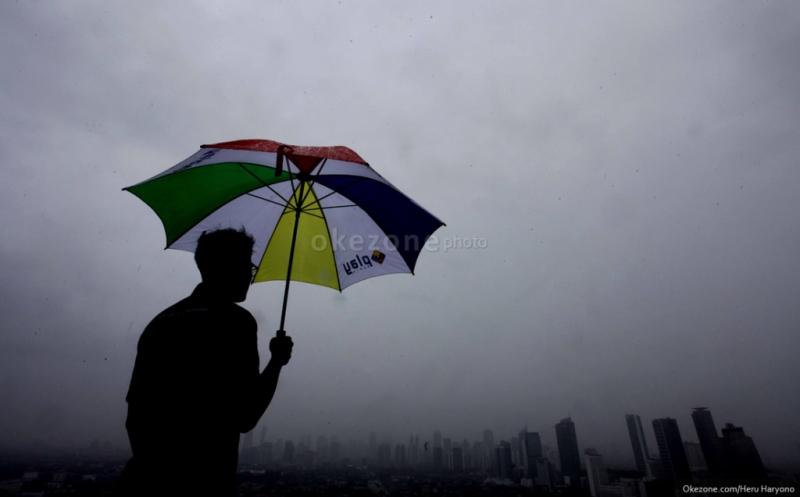 https: img-k.okeinfo.net content 2020 02 20 512 2171598 hujan-deras-diperkirakan-guyur-jawa-tengah-pada-pekan-ini-otmOrQ3HMA.jpg