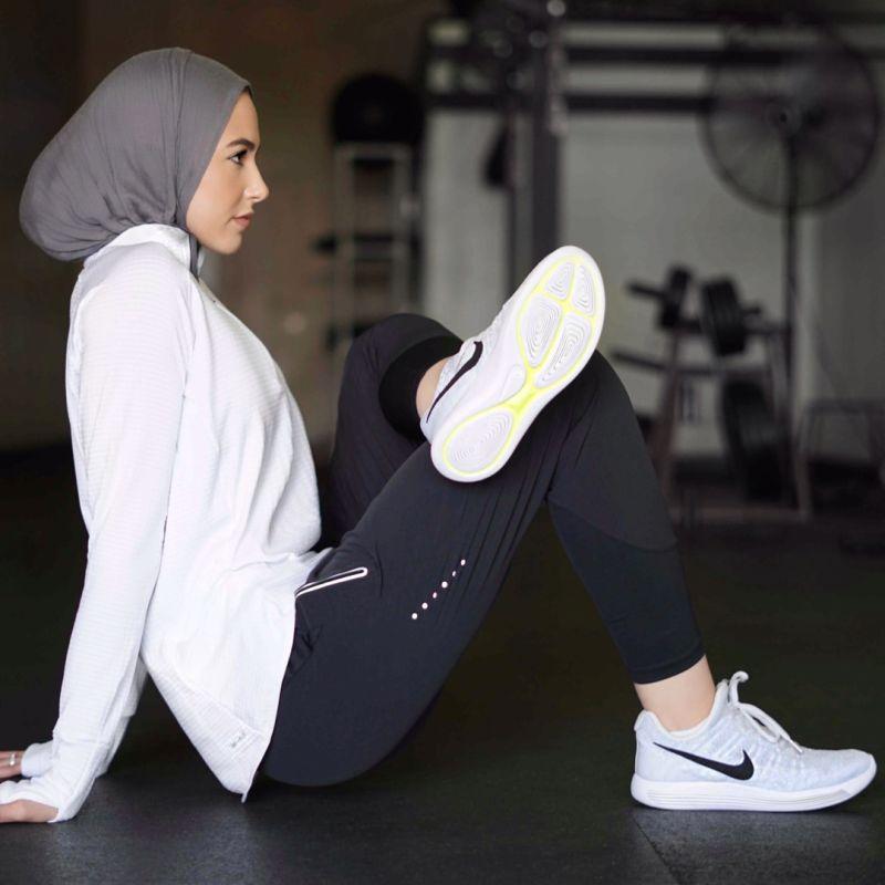 https: img-k.okeinfo.net content 2020 02 21 617 2172243 ootd-hijab-olahraga-pagi-yang-nyaman-dan-modis-uzVcnw5YMX.jpg