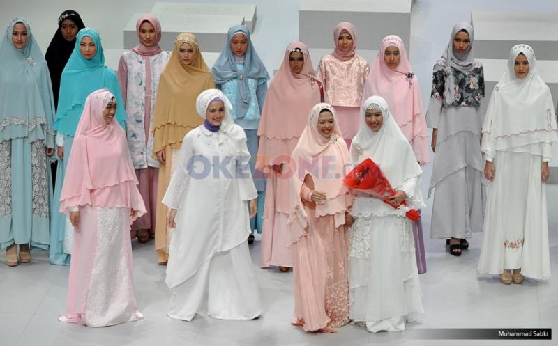 https: img-k.okeinfo.net content 2020 02 21 617 2172255 hijab-syar-i-masih-diminati-di-2020-lpCGzy0uQ3.jpg