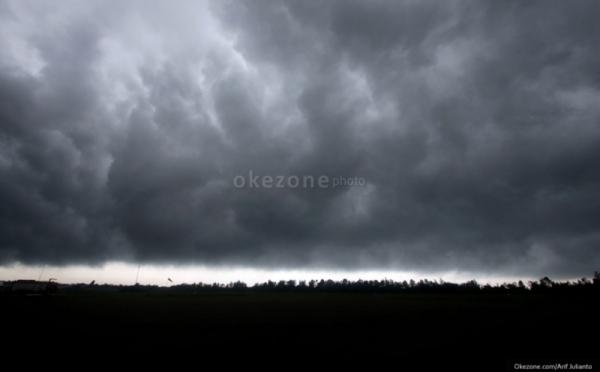 https: img-k.okeinfo.net content 2020 02 22 512 2172573 curah-hujan-di-solo-pada-maret-2020-diprediksi-masih-tinggi-NXZamRvICS.jpg
