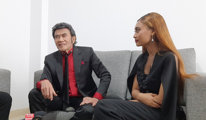 https: img-k.okeinfo.net content 2020 02 25 598 2173677 rhoma-irama-apresiasi-konsistensi-indonesian-idol-7XGFjc9tNc.jpg