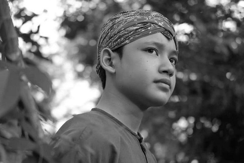 https: img-k.okeinfo.net content 2020 02 26 33 2174619 aktor-remaja-alwi-assegaf-beri-tausiyah-di-tahlilan-ashraf-sinclair-uV2G2xgNTo.jpg