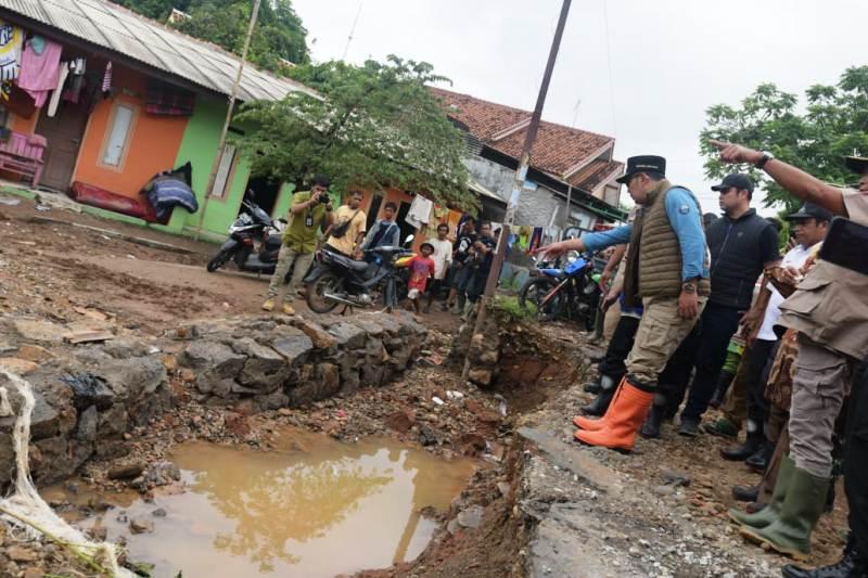 https: img-k.okeinfo.net content 2020 02 27 525 2175222 banjir-di-subang-ridwan-kamil-pendangkalan-sungai-pangkal-masalah-jSGP4rBcZN.jpg