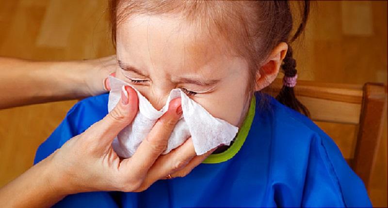 https: img-k.okeinfo.net content 2020 02 28 481 2175721 obati-pilek-efektifkah-menyedot-lendir-pada-hidung-anak-yang-tersumbat-Ktsd4qGeV9.jpg