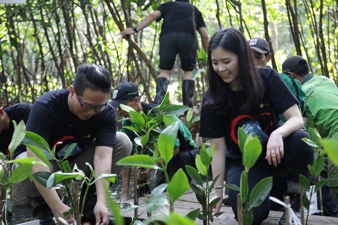 https: img-k.okeinfo.net content 2020 03 13 337 2183026 peduli-lingkungan-mnc-leasing-gandeng-mnc-peduli-tanam-1000-pohon-mangrove-oC0phf5FvD.jpg