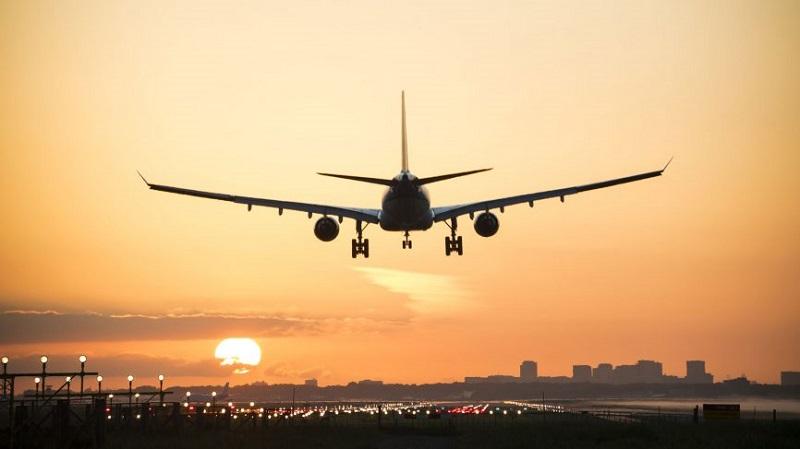 https: img-k.okeinfo.net content 2020 03 26 320 2189143 pemda-minta-pelayanan-penerbangan-ditutup-sementara-begini-respons-kemenhub-IJwAE9sT3H.jpg